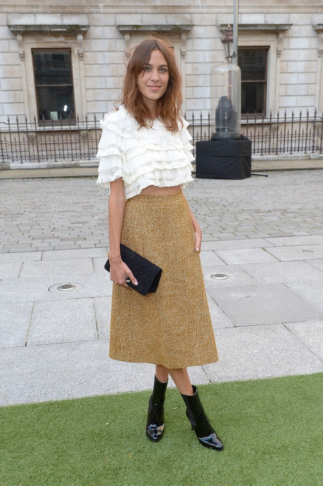 alexa-chung-con-total-look-de-chanel